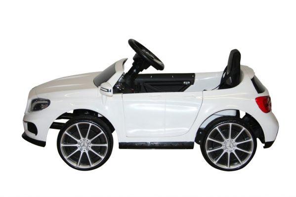 Mercedes AMG GLA45 elbil barn